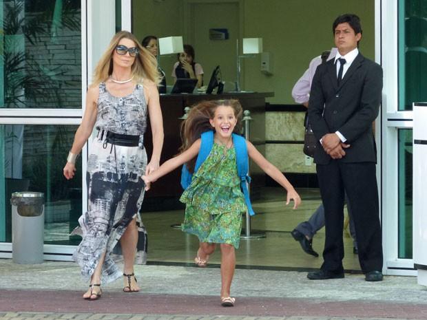 Letícia Spiller também está no set gravando Salve Jorge (Foto: Salve Jorge/TV Globo)