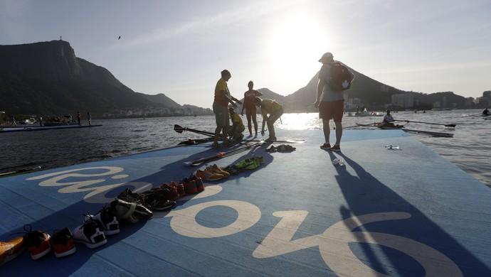 Treino do remo na Lagoa Rodrigo de Freitas (Foto: Associated Press)