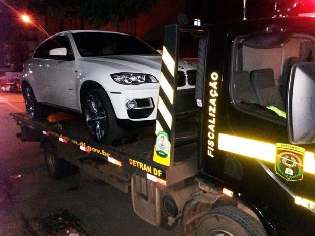 BMW apreendida em Taguatinga durante operação de fiscalização do Detran (Foto: Detran/Divulgação)