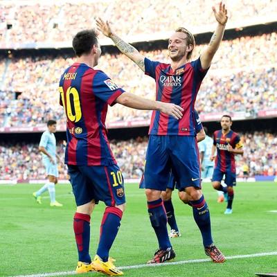 Rakitic e Messi, Barcelona x Granada (Foto: Getty Images)