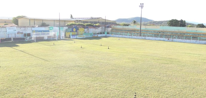 Estádio Arnon de Mello, Santana do Ipanema (Foto: Denison Roma / GloboEsporte.com)