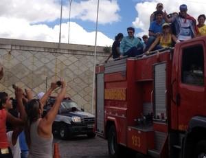hulk, copa das confederações, desfile, carro aberto (Foto: Renata Vasconcellos / Globoesporte.com/pb)