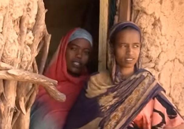 Mutilação genital feminina na África (Foto: Reprodução/Youtube)