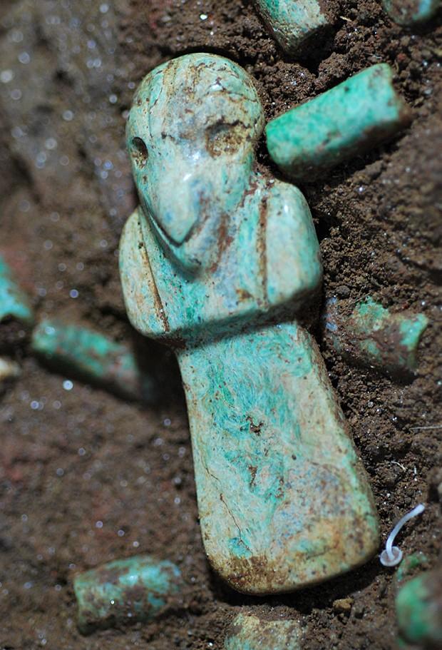 Maias jade (Foto: Parque Arqueologico Nacional Tak'alik Ab'aj/AFP)