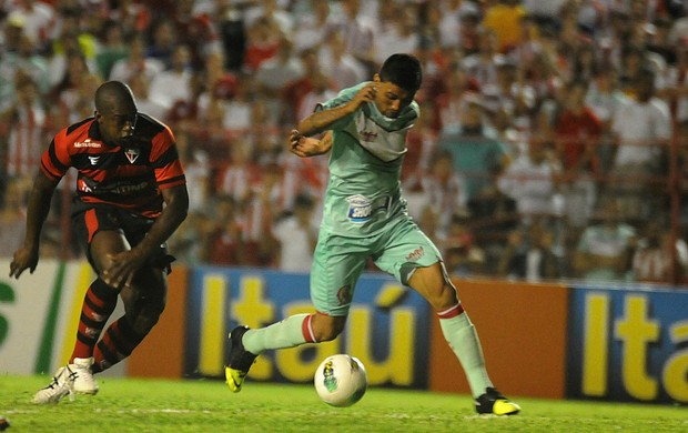 náutico atlético-go kieza (Foto: Aldo Carneiro / Pernambuco Press)