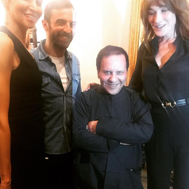 Praises for the Azzedine Alaia show from Farida Khelfa, Nicolas Ghesquiere, creative director of Louis Vuitton, and former model and one-time France's First Lady Carla Bruni-Sarkozy after the July couture in Paris (Foto: reprodução/instagram)