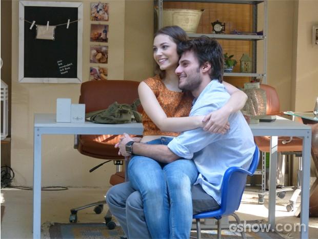 Os noivos decidiram que Sofia e Sidney serão os padrinhos (Foto: Malhação / TV Globo)