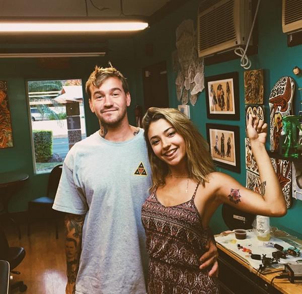 Carolina Oliveira mostra nova tatuagem (Foto: Reprodução/Instagram)