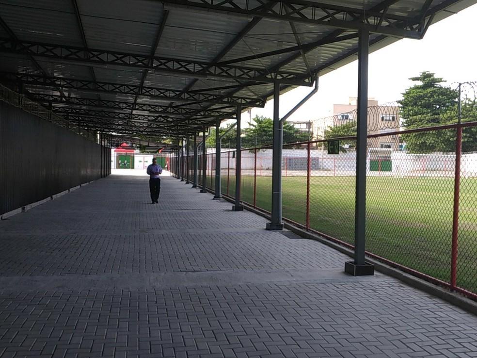 Entrada da torcida visitante na Arena do Flamengo (Foto: Vicente Seda)