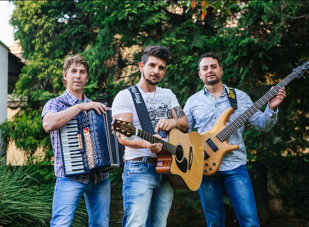 O grupo paranaense Trio Harém abre o show da dupla Marcos e Belutti (Foto: Divulgação)