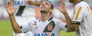 Vasco vence o Santos com gol de Nenê e continua vivo na Série A (Ide Gomes/Framephoto/Estadão Conteúdo)