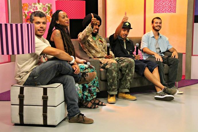 Banda GrooVI Mistura com Rodaika SuperStar  (Foto: Maicon Hinrichsen/RBS TV)