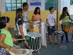 Oficina de percussão no Ponto de Cultura Arte-Fato, região norte de Palmas (Foto: Reprodução/TV Anhanguera)