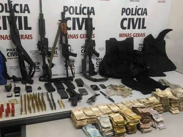 Polícia apreende armas com quadrilha suspeita de assalto a banco em Campestre (Foto: Reprodução EPTV)