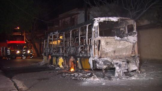 Adolescente é preso em BH suspeito de atear fogo em ônibus