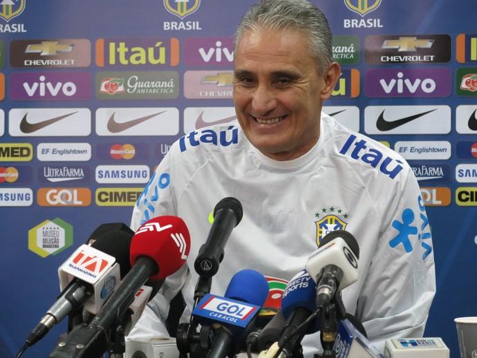 Tite coletiva seleção brasileira Quito (Foto: Edgard Maciel de Sá/GloboEsporte.com)
