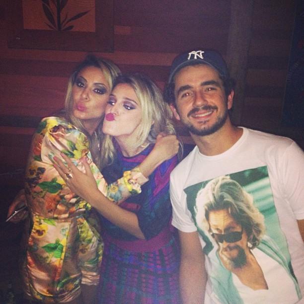 Alinne Rosa e Felipe Andreoli na festa da cantora em São Paulo (Foto: Instagram/ Reprodução)