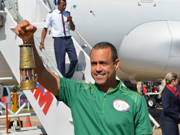 Chama olímpica desembarcou debaixo de calor, em Porto Velho (Foto: Jonatas Boni/ G1)