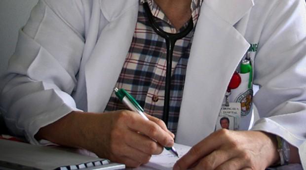 médico; atestado; saúde; receita (Foto: Rusty Ferguson / Flickr)