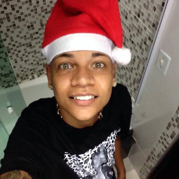 MC Duduzinho com gorro de Papai Noel (Foto: Divulgação)