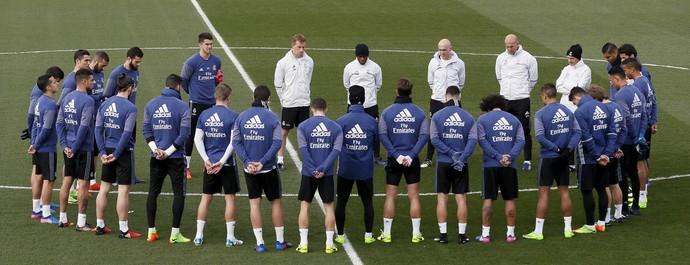 Treino Real Madrid homenagem Kopa (Foto: Efe)