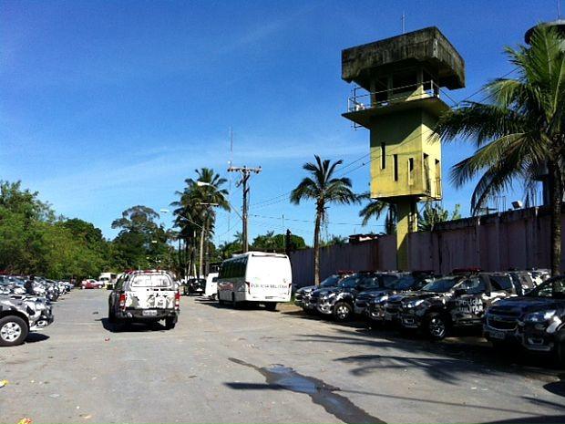 Operação foi montada no Complexo Penitenciário Anísio Jobim (Compaj) (Foto: Adneison Severiano/G1 AM)