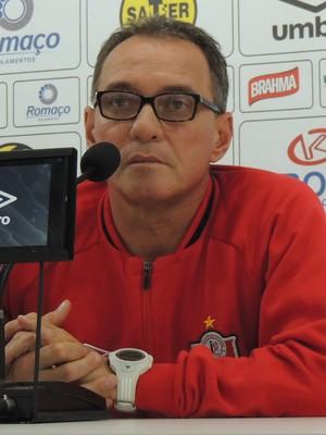 PC Gusmão Joinville técnico (Foto: João Lucas Cardoso)
