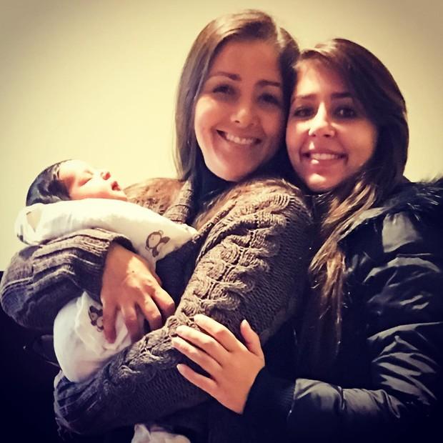 Nana Gouvêa posta foto com filha e netinho (Foto: Reprodução/Instagram)