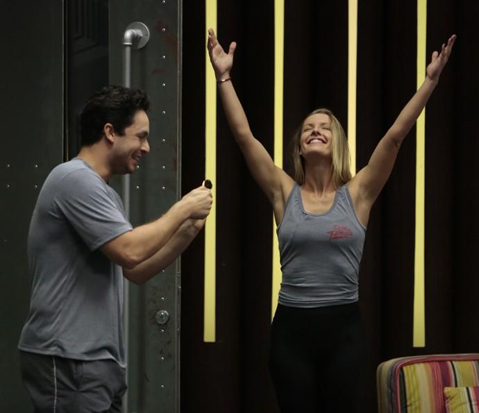Rainer se diverte ao lado da bailarina Juliana Valcézia (Foto: Felipe Monteiro/Gshow)