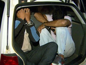 Empresários são presos em Campinas por receptação de carga de chinelos (Foto: Reprodução EPTV)