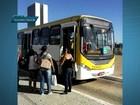 Ônibus invade Praça dos Três Poderes durante troca da bandeira
