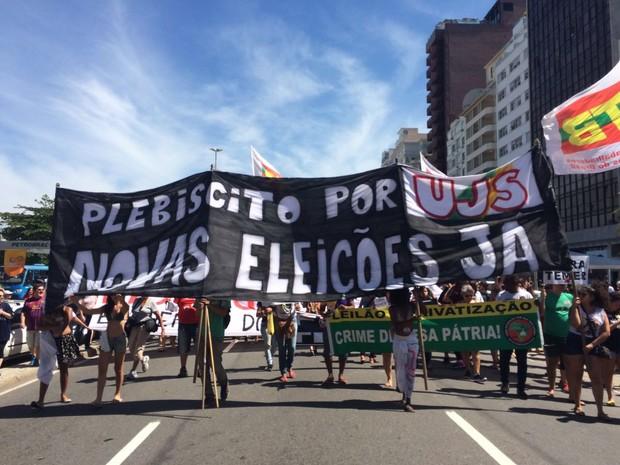 Ativistas pedem novas eleições e saída de Temer (Foto: Fernanda Rouvenat/G1)