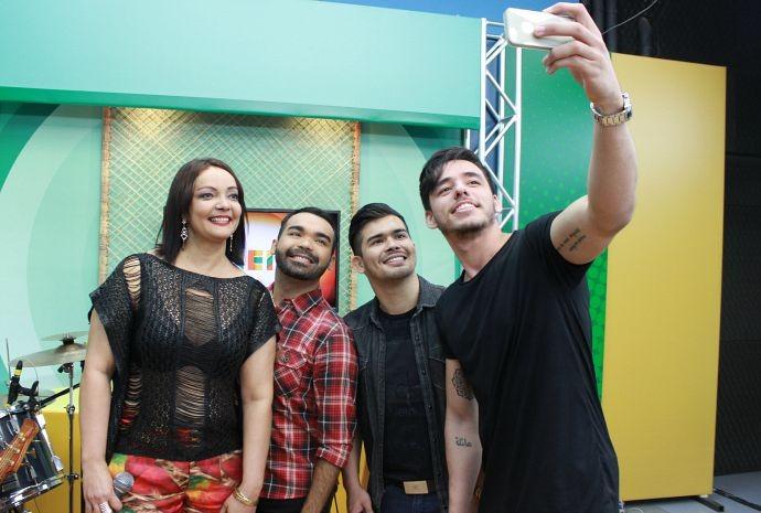Alegria não faltou durante as gravações (Foto: Katiúscia Monteiro/ Rede Amazônica)