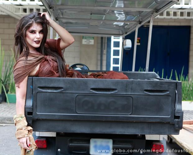 Elenita Machado faz carão até na versão morta-vida! (Foto: Ellen Soares / TV Globo)