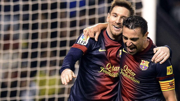 Messi e Xavi gol Barcelona (Foto: EFE)