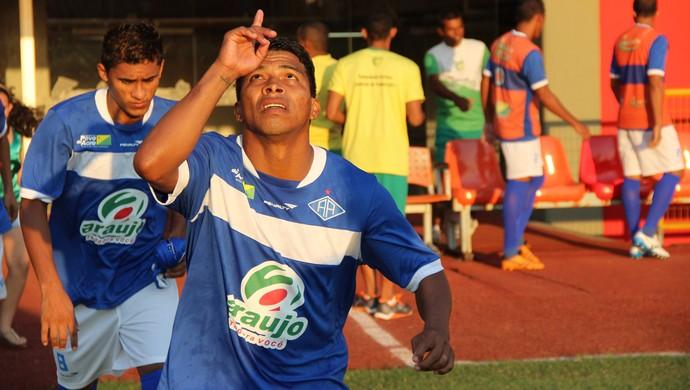 Ley, lateral-direito do Atlético-AC (Foto: João Paulo Maia)