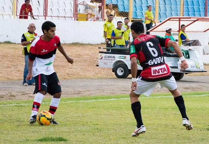 Diego Renan do Moto em jogo contra Guarany de Sobral (Foto: Weliandrei Campêlo / Assessoria do Moto Club)