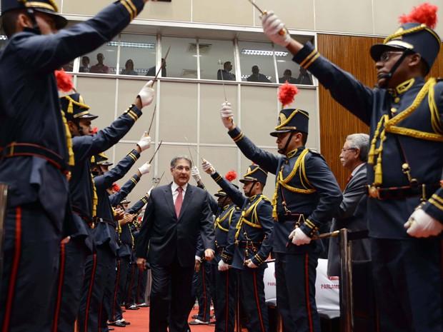 Fernando Pimentel (PT) toma posse no plenário da Assembleia Legislativa de Minas Gerais (Foto: Omar Freire / Imprensa MG)