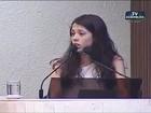 Estudante que viralizou ao defender ocupações é 'tietada' no Senado