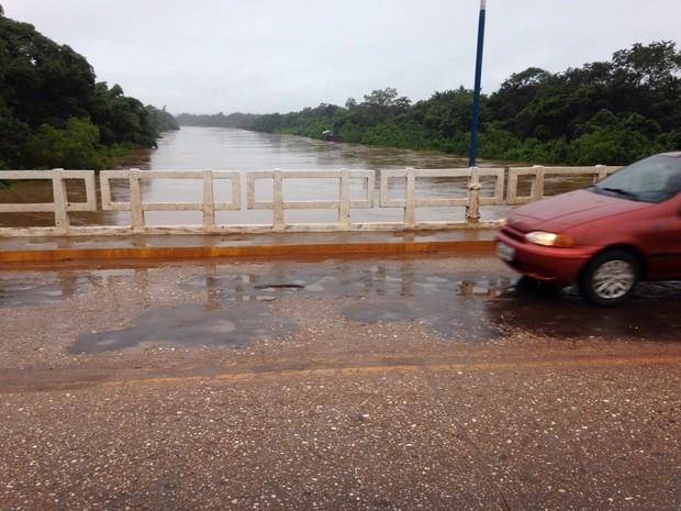 Na manhã desta quinta-feira, rio Aquidauana estava em 9,29 metros  (Foto: Rodrigo Grando/ TV Morena)