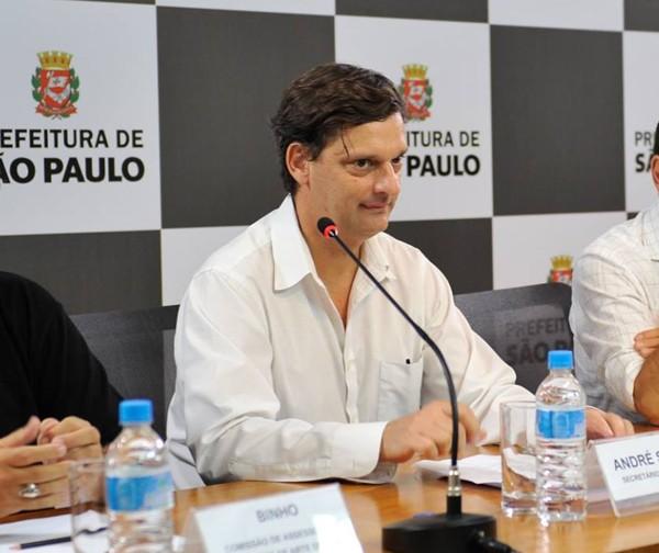 André Sturm, secretário de cultura de São Paulo (Foto: Reprodução / Facebook)