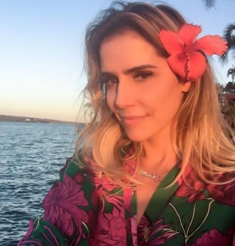 Deborah Secco pediu desculpas pelo ataques a seus seguidores do Instagram e disse que não se importaria se sua filha não fosse hétero (Foto: Reprodução/ Instagram)