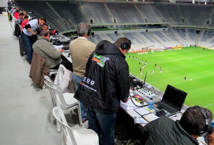 Estrutura para a imprensa na Arena da Baixada, estádio do Atlético-PR (Foto: Fernando Freire)