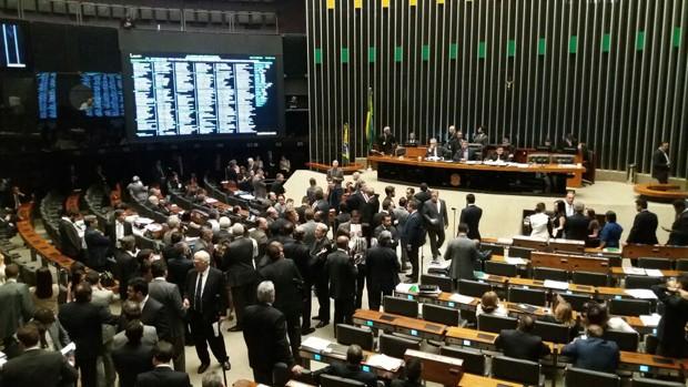 Plenário da Câmara discute pacote de medidas anticorrupção
