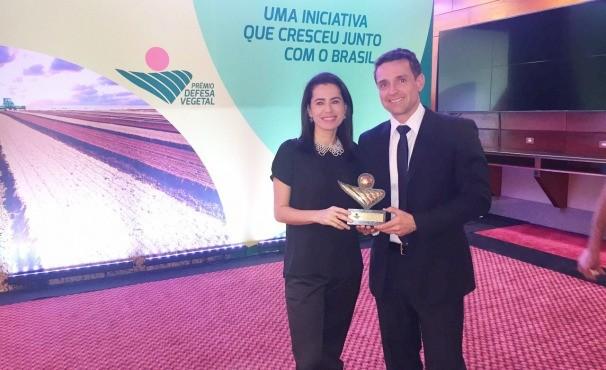 Brenda Freitas e Fábio Castro foram representar a equipe da TV Anhanguera. (Foto: Divulgação)