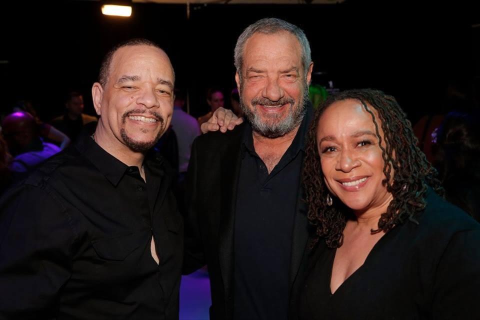 Ice-T, Dick Wolf e S. Epatha Merkerson (Foto: Divulgao)
