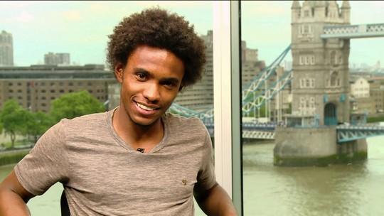 Paixão por Londres faz Willian sonhar com passaporte e cidadania britânica