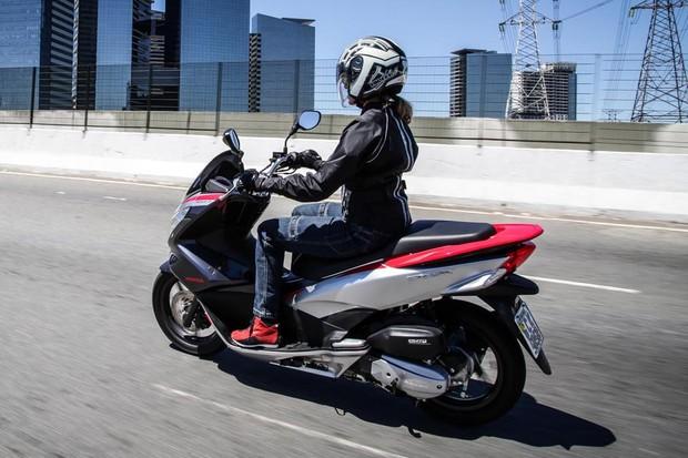 Nova Honda PCX 150 Sport chega às concessionárias por R ...