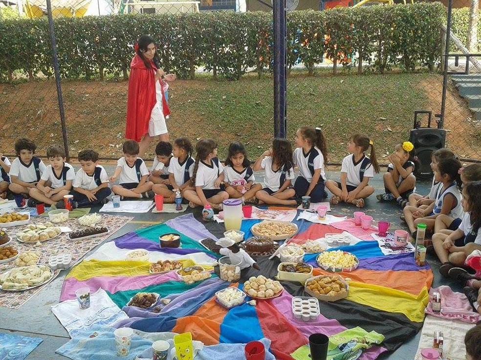Aulas de educação nutricional em Passos (MG) estimulam crianças a se alimentar melhor (Foto: Arquivo Pessoal/Lílian Figueiredo Geraldo Custódio)