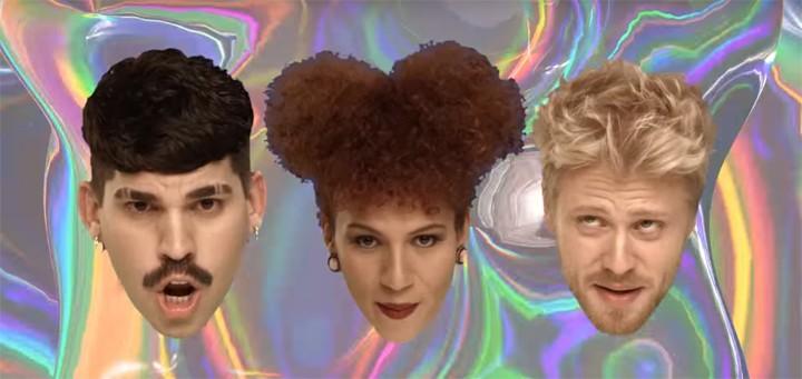 """Trio aparece em forma de cabeças flutuantes no clipe de """"Dá1LIKE"""" (Foto: Reprodução)"""